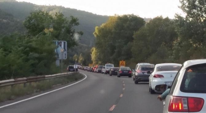 Спират утре за час движението по пътя София - Варна край Търговище заради взривни дейности