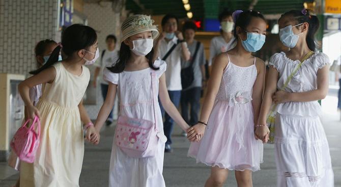 В Хонконг обявиха принудителна ваканция на учениците заради коронавируса до 20 април