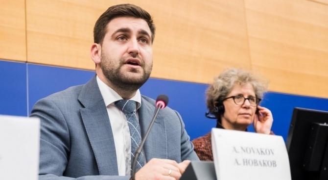 """Новаков: АМ """"Струма"""" ще я има въпреки всички протести"""