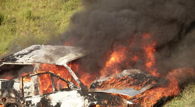 Две коли горяха във Варна