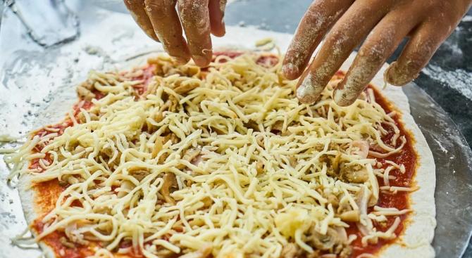 Французи направиха пица с 257 сирена