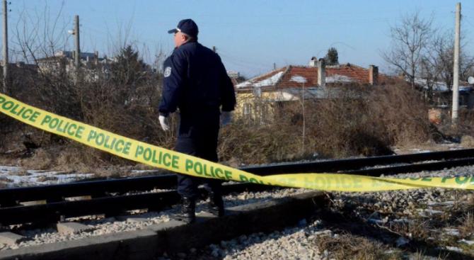 Дядо се хвърли под влакови релси и загина