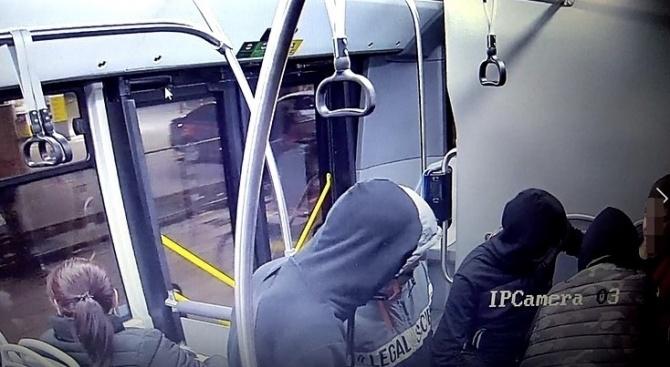 Вижте нападателите на момчето от столичния автобус