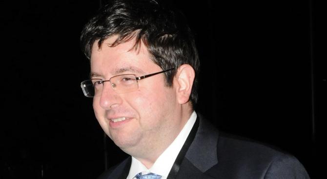 Финансистът Доц. Петър Чобанов: Има логика в референдум за еврото