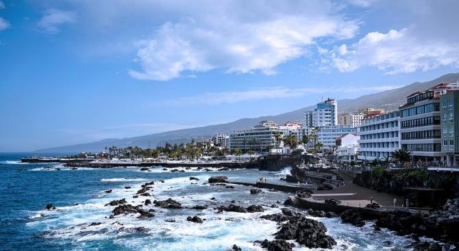 Блокираните туристи в хотел в Тенерифе ще бъдат освободени след тест за коронавирус