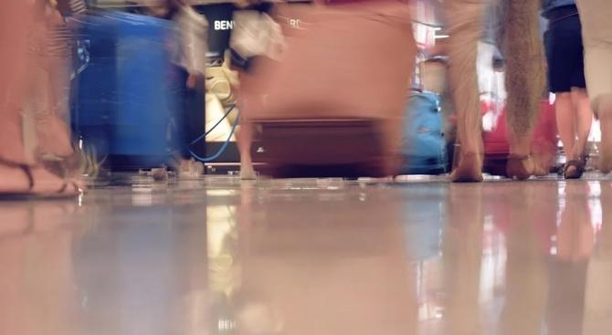 КЗП успокои: Туристите могат да получат обратно парите си заради коронавируса
