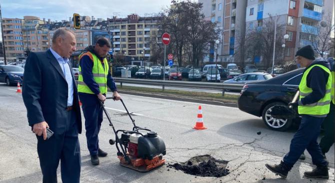 Започнаха ремонти на ключови булеварди в Столична община