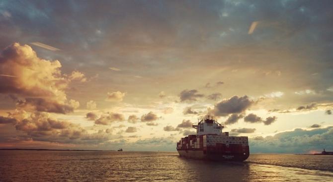 Един тон кокаин е заловен на кораб край Венецуела