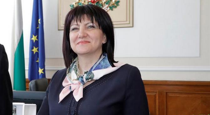 Караянчева ще участва в тържественото честване на 150-ата годишнина от основаването на Българската екзархия