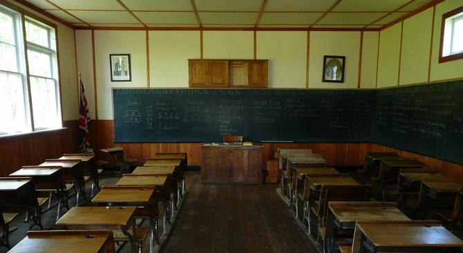 Ремонтират училище в тунджанското село Бояджик