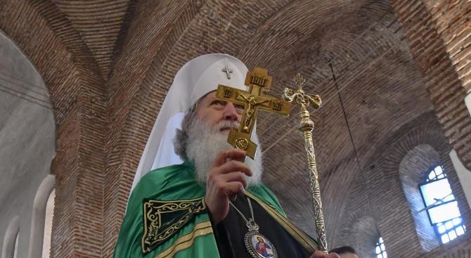 Светият синод: Патриарх Неофит няма Фейсбук