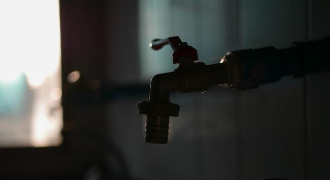 Две села в Монтанско получават вода през ден
