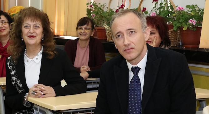 Министър Вълчев: Ще предложим интегрален изпит в 7-ми клас