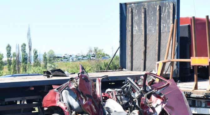 Катастрофа между камион и коли на пътя Разград - Исперих