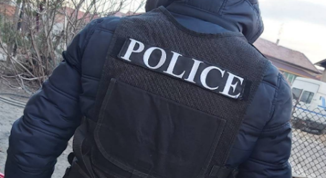 Операция на полицията в Сливен, удариха битовата престъпност