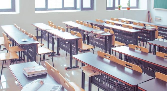 Какво е състоянието на учениците, завърнали се от Италия?