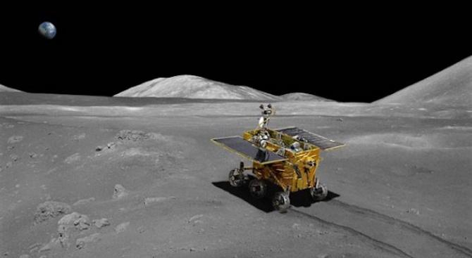"""Китайският космически апарат """"Чанъе-4""""спечелинадпреварата за обратната страна на Луната, позволявайки"""
