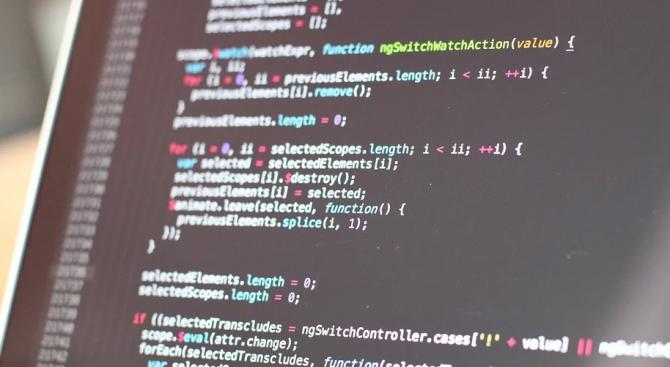 """Почина програмистът, създал първия """"чийт"""" код във видеоигрите"""