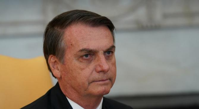 Болсонаро ще поиска от бизнесмени да спрат да рекламират в два бразилски вестника