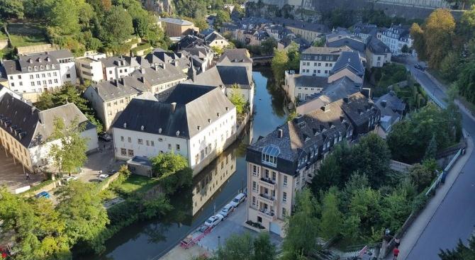 Люксембург става първата страна в света с напълно безплатен обществени