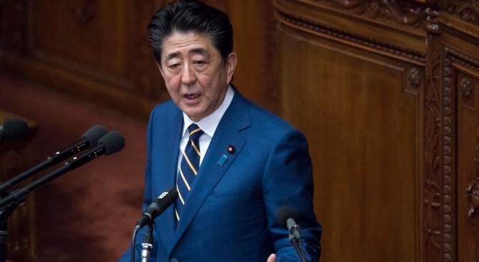 Японският премиер Шиндзо Абе обеща днес да предприеме необходимите политически