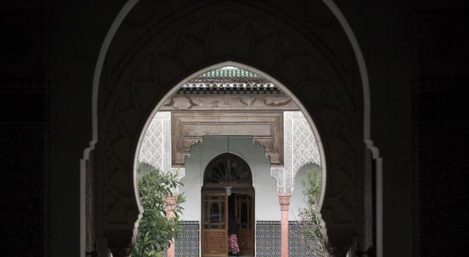 Без петъчни молитви в Иран