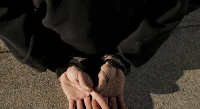 Закопчаха български телефонен измамник в Солун