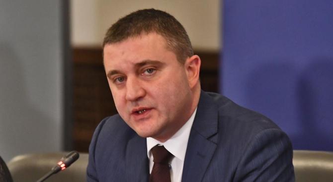 Според финансовия министър Владислав Горанов Владислав Иванов Горанов е министър
