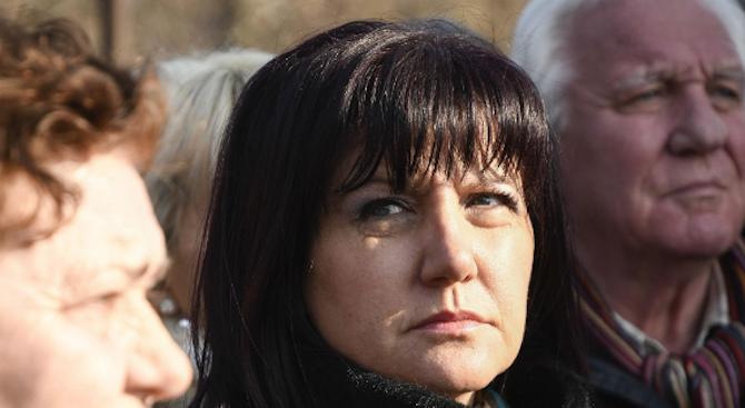 Караянчева: С дълбока болка приех тъжната вест за кончината на генерал Андрей Боцев