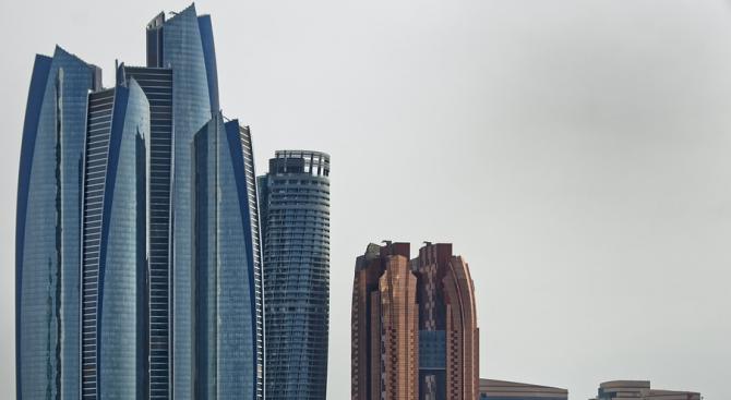 В два хотела в Абу Даби беше наложена карантина