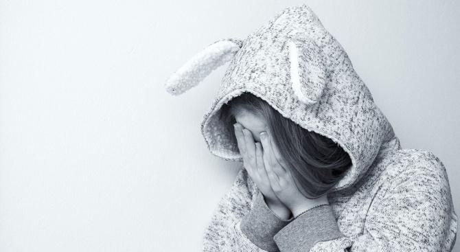 Младежи изнасилиха 13-годишна, докато е в безсъзнание