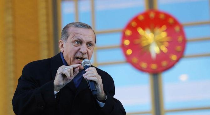 Ердоган заплаши: От 18 000 бежанците на границата с ЕС могат да станат 30 000