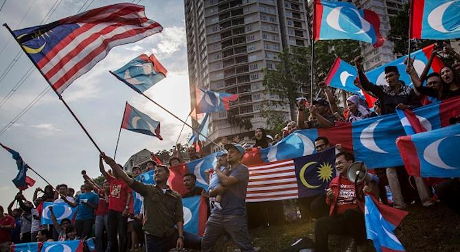 Кралят на Малайзия назначи за премиер досегашния вътрешен министър