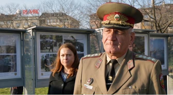 Траурна процесия за началника на отбраната ген. Андрей Боцев