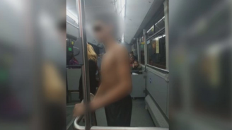 Четирима задържани заради съблеченото в автобус момче