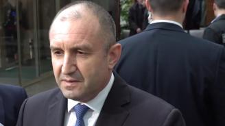 Радев: Недопустимо е България да плаща толкова скъпо за газ от Русия, министър Петкова да се замисли дали си върши добре работата