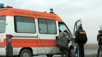 Двама загубиха живота си в катастрофа край Созопол