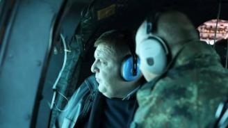 Красимир Каракачанов инспектира границата ни с Турция и Гърция от хеликоптер