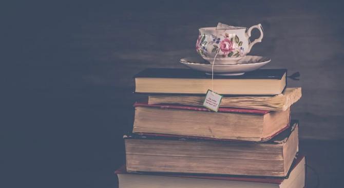 Четенето на класически романи ни прави по-умни