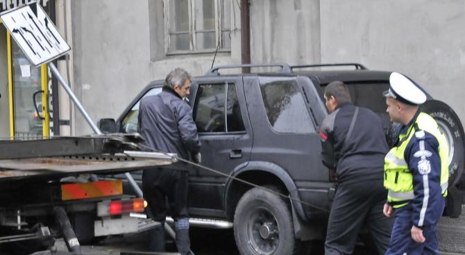 """18-годишен младеж е пострадал, след като лекият автомобил """"Опел"""", с"""