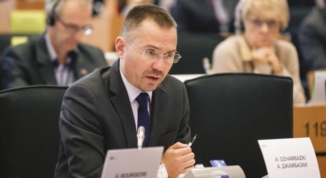 Евродепутатът и зам.-председател на ВМРО Ангел ДжамбазкиАнгел Джамбазки е български