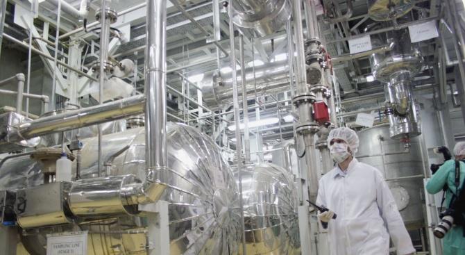 МААЕ: Иранските запаси на уран са пет пъти над допустимото