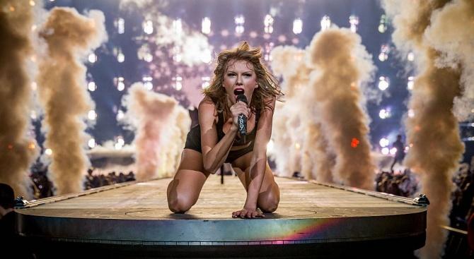 Тейлър Суифт е изпълнителката с най-много продажби в света