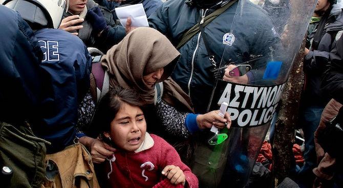 Около 2000 мигранти са опитали да преминат от Турция в Гърция