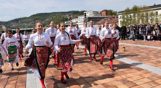 """Община Ловеч е готова за Пролетния празник """"Цветница 2020"""""""