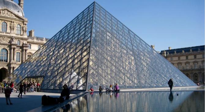 Парижкият Лувър отново отвори врати за посетители