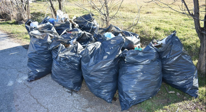 Община Асеновград състави актове на граждани, изхвърлящи отпадъци на нерегламентирани места