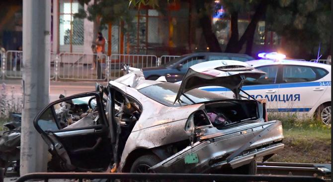 Двама души са загинали, а 8 са пострадали при катастрофи
