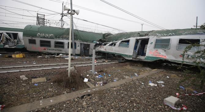 Високоскоростен влак във Франция дерайлира, поне 20 души са ранени