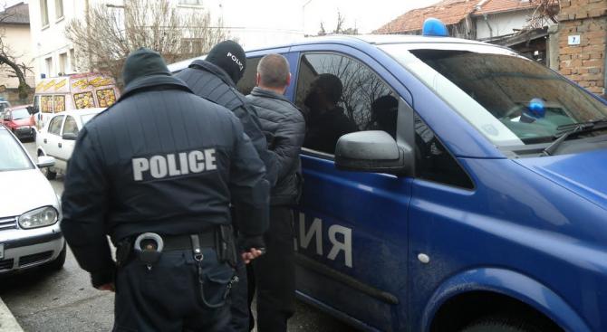 17 души са задържани при акцията в Разлог